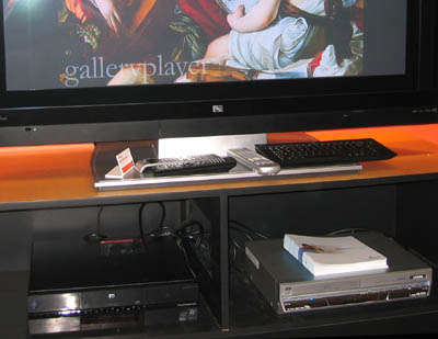 hp-z558-with-plasma-2.jpg