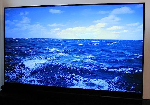 Eyes On with Mitsubishi's 92-inch 3D TV: Home Cinema WD-92840 ...