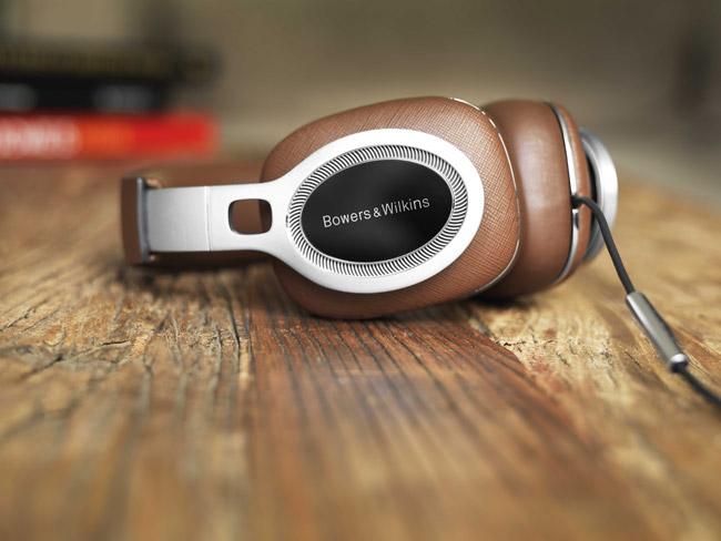 B&W Unveils Luxurious P9 Signature Headphones