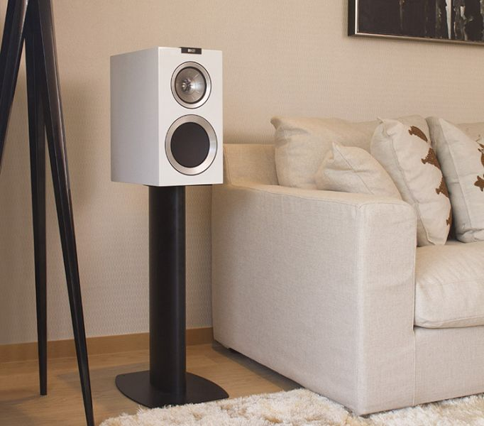 KEF_R300_white_single_Lifestyle-750.jpg